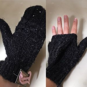 NWT Juicy Couture transformable mittens